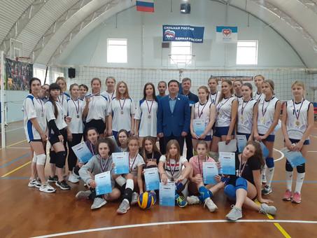 """Сегодня на базе ССК """"Виктория-2"""" состоялся финал соревнований по волейболу среди девушек"""