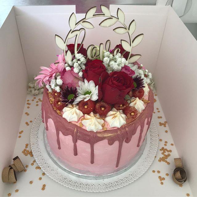 Love cake ❤️ pour célébrer un EVJF #evjf