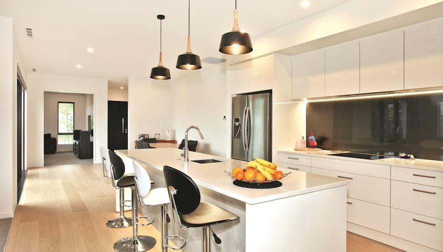 1535 kitchen.jpg