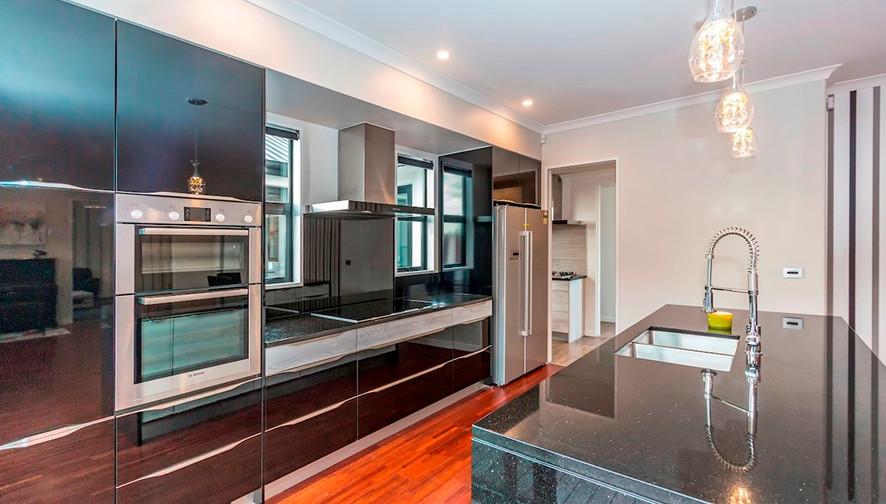 875 Kitchen 2.jpg