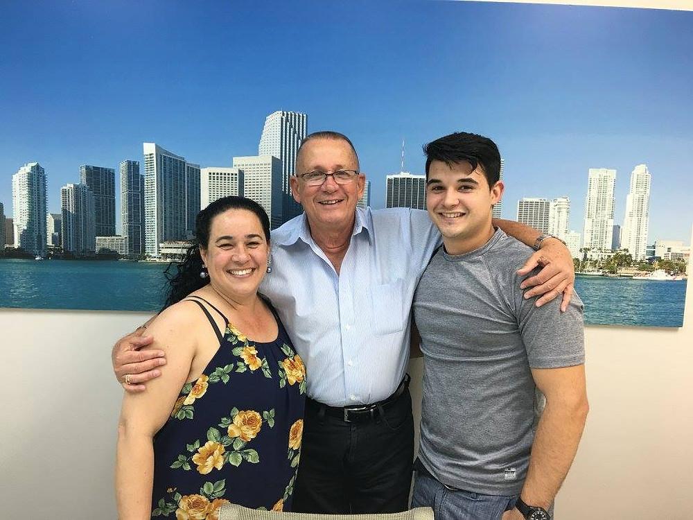 Felicitaciones para Eslei  Galvez & su mama Saidy Llanes que compraron su primer hogar  recientemente con su gran Realtor y amigo de Liberty Alliance Mortgage, Manuel Sanchez.
