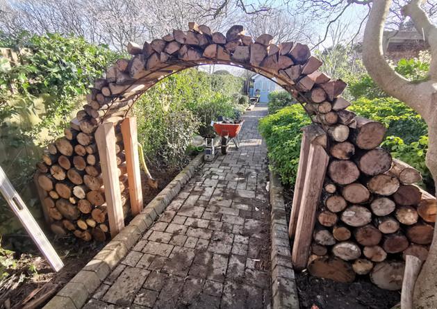 Log Arch
