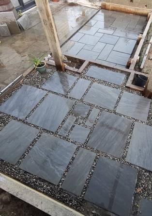 Pebble & Slab Mosaic Patio