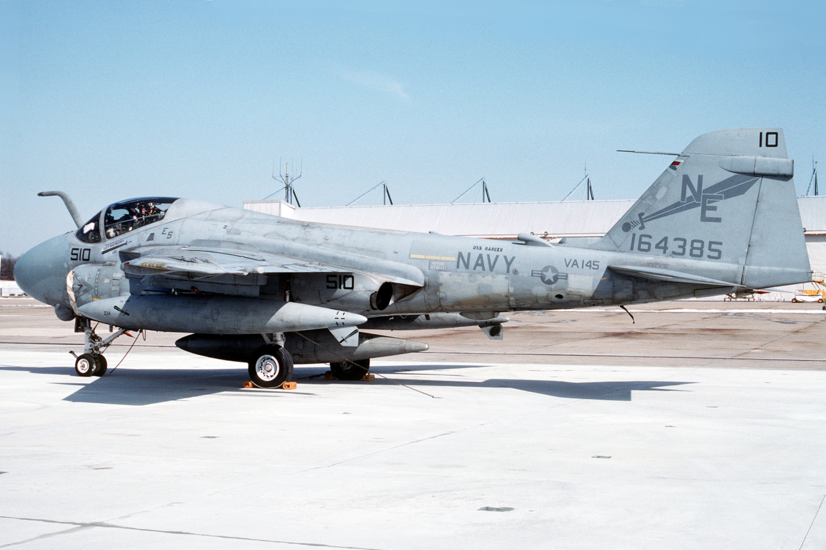 A-6E_Intruder_of_VA-145_in_1992