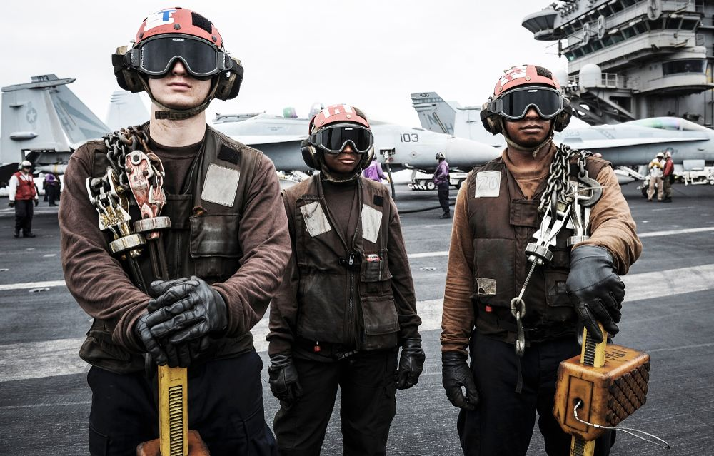 us-navy-flight-deck-crew