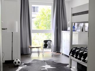 Monochromatic Boys Room