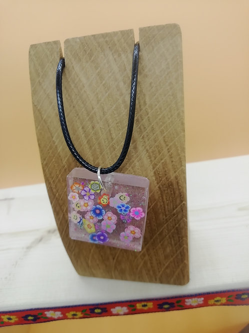 Necklace - Resin Square Flower Shapes
