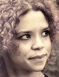 Headshot Eleanor Duvivier.jpg