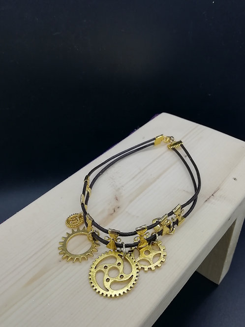 Bracelet - Gold Coloured Cogs Steampunk Large