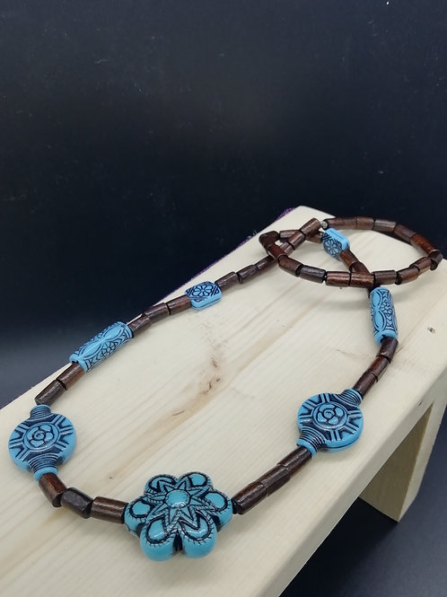 Necklace - Blue Ethnic and Wood Beads Elasticated 1