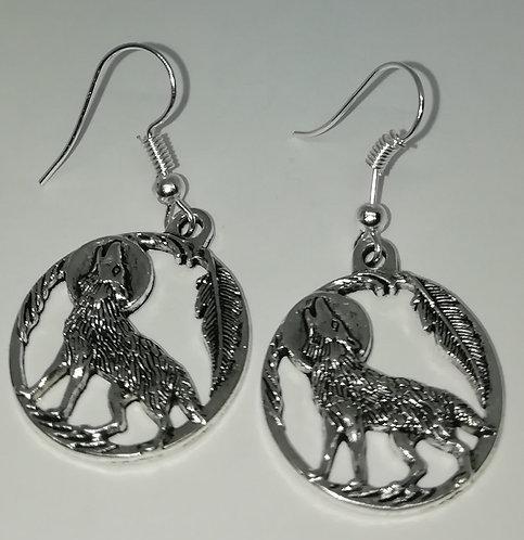Earrings – Wolf in Circle