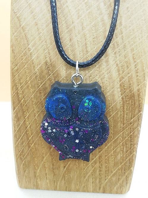 Necklace - Black Owl Glitter Resin
