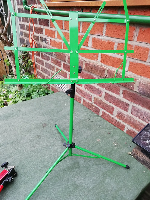 Folding metal music stand - green
