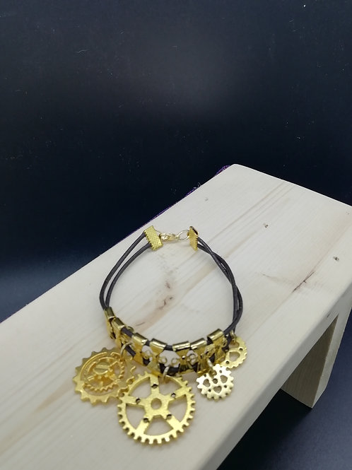 Bracelet - Gold Coloured Cogs Steampunk XS