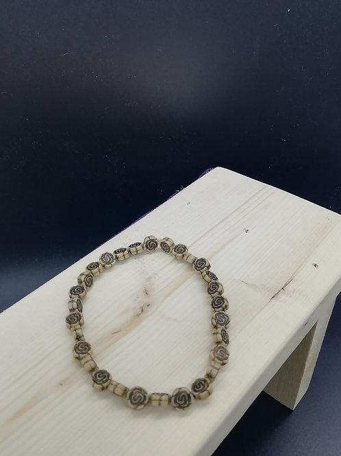 Bracelet - Elasticated Cream Roses