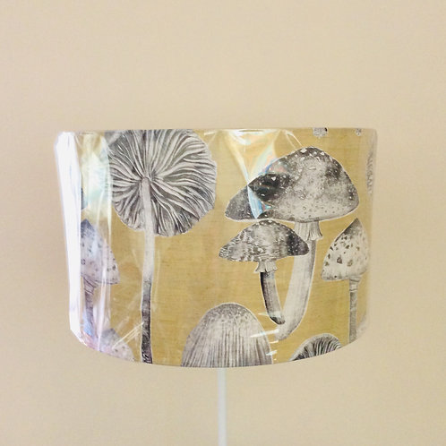 Lampshade, toadstools (4018)