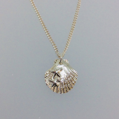 Silver Scallop Shell Necklace, with 2 starfish