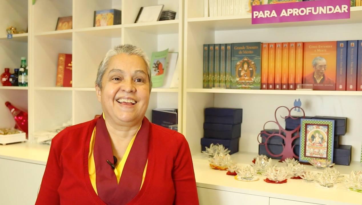 TODOS PODEM SE TORNAR BUDAS? Neste vídeo, Kelsang Mudita explica com clareza o que é um Buda e como podemos tornar nossa mente pura e experienciar um mundo puro. www.facebook.com/meditadoresurbanos