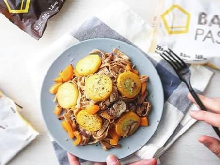 【レシピ付き】ズッキーニとパプリカの和風パスタ(完全栄養食 BASE PASTA)