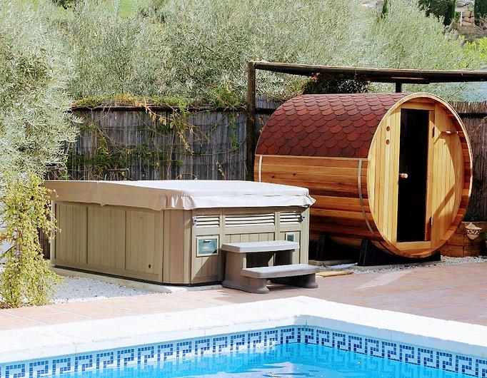 sauna jacuzzi.jpg