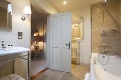 Harriet-bathroom-open-door