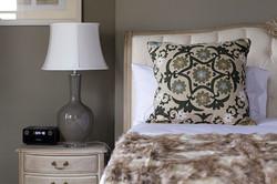 Davers-bedroom-pillow