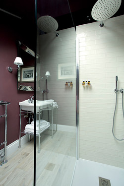 Shower in the Templetown and Crofts Room
