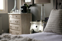 Conway-bedside-2