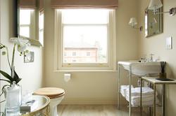 Hervey bathroom