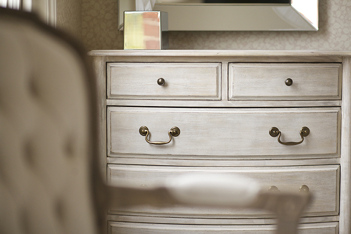 Hervey-chest-of-drawers