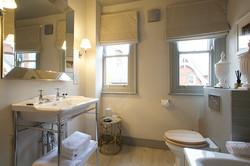 felton-bathroom-2