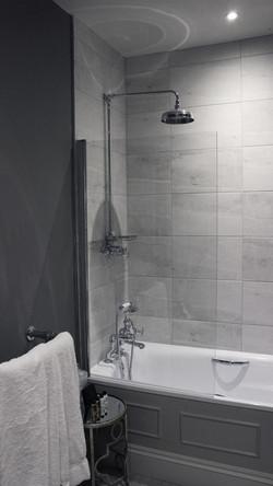 Davers-shower
