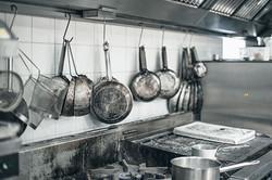 Black Lion- Pots-and-pans