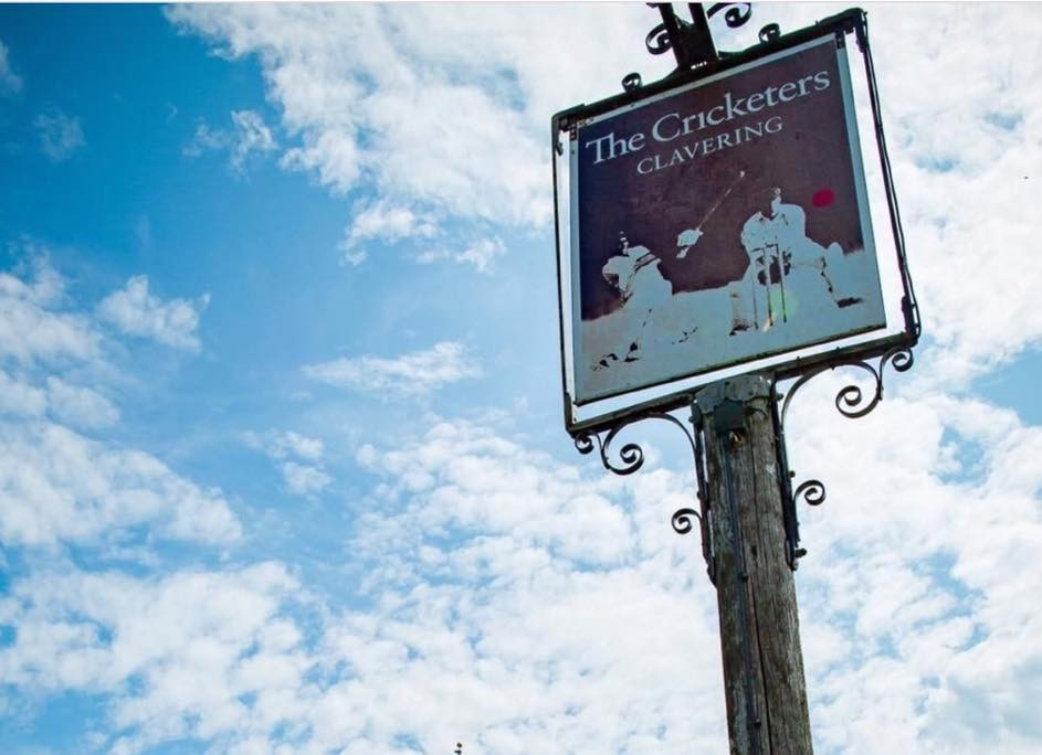 Totem - The Cricketers, Clavering