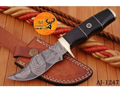DAMASCUS STEEL SKINNER HUNTING KNIFE - AJ 1247