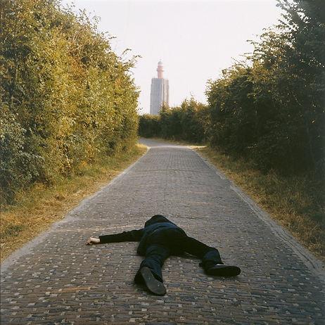 roken fall (geometric) – Bas Jan Ader, 16mm, duração 1 min 49 sec.