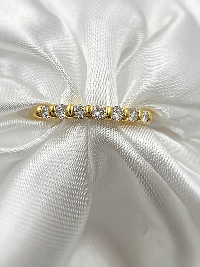 18K Yellow Gold 7 Round Dimonds 3/8cttw Stackable