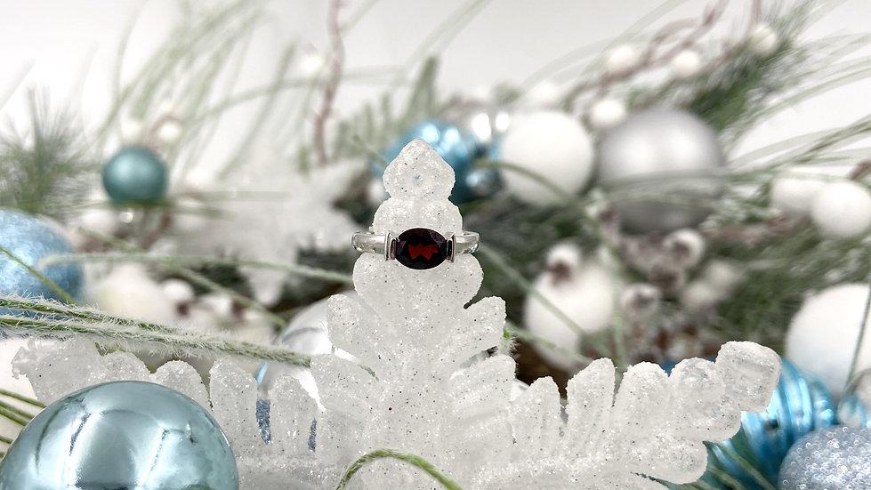 14K Oval Garnet Ring