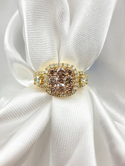 18ky 2.15ctw Sunflower Diamond Ring
