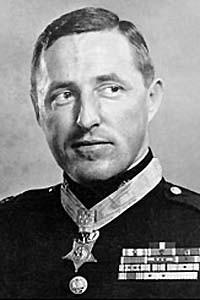 General Raymond Davis