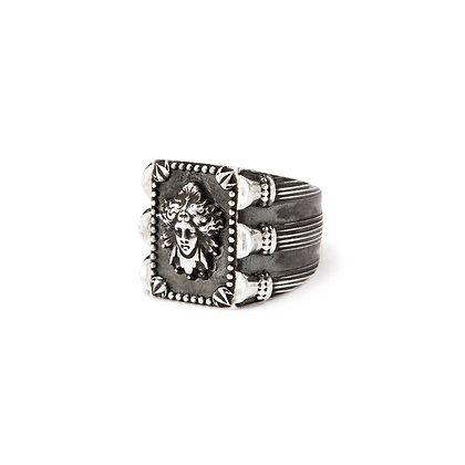 """Dark Médusa"" Ring"