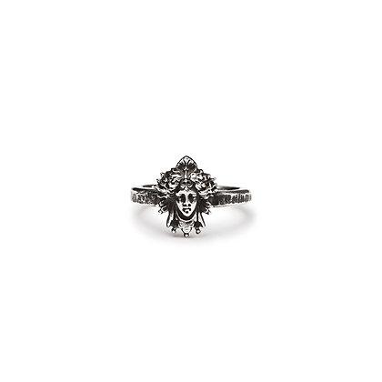 """Martelé Médusa"" Ring"