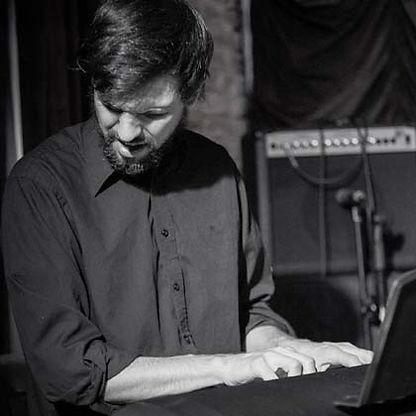 Ivan Viggio contrabajo jazz Buenos Aires Argentina Kuai