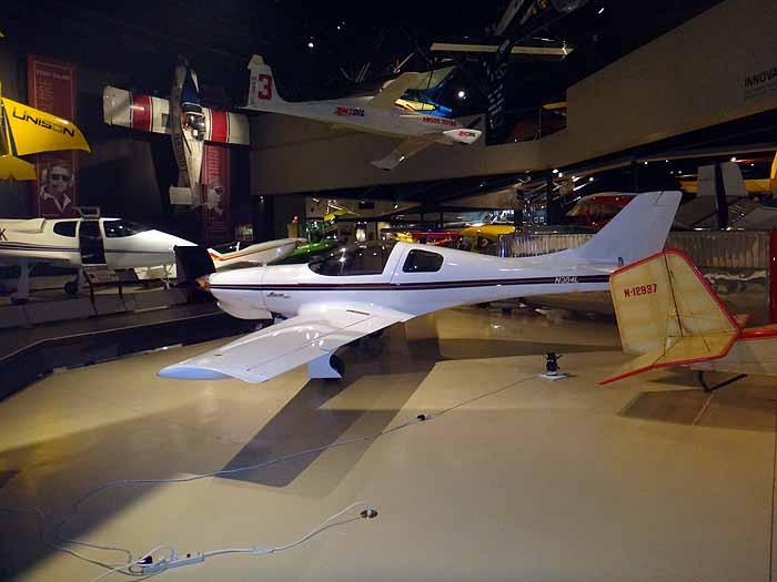 EAA032