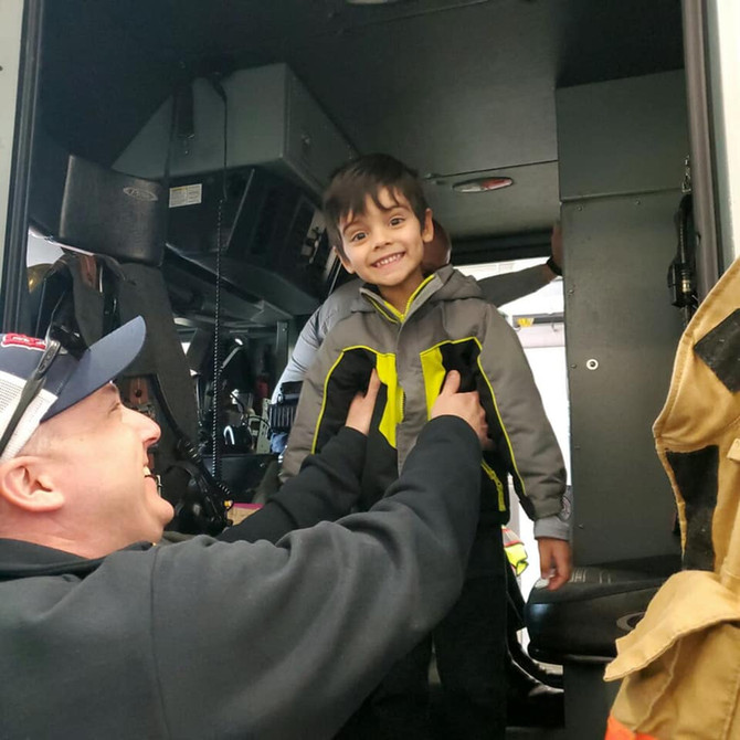 🚒 Firefighters are Community Helpers! - 3's Field Trips to the Fire Station