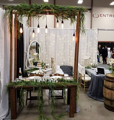 Rustic Head Table Arbour