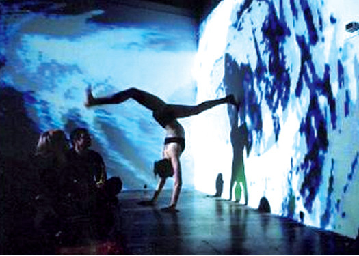 Projection Mapping for Dance