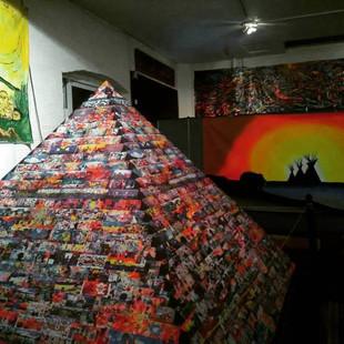 Art Miles Muramid Installation