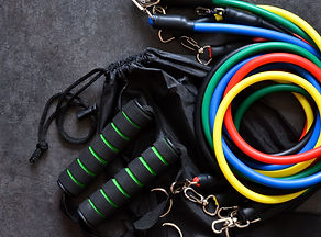 Sports accessory - expander with a carbi