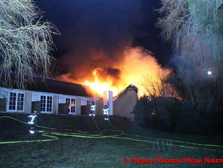 Værelsesbygning på Mogenstrup Kro er brændt